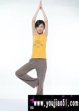 想着我们的手臂肌肉都在最大限度的拉伸